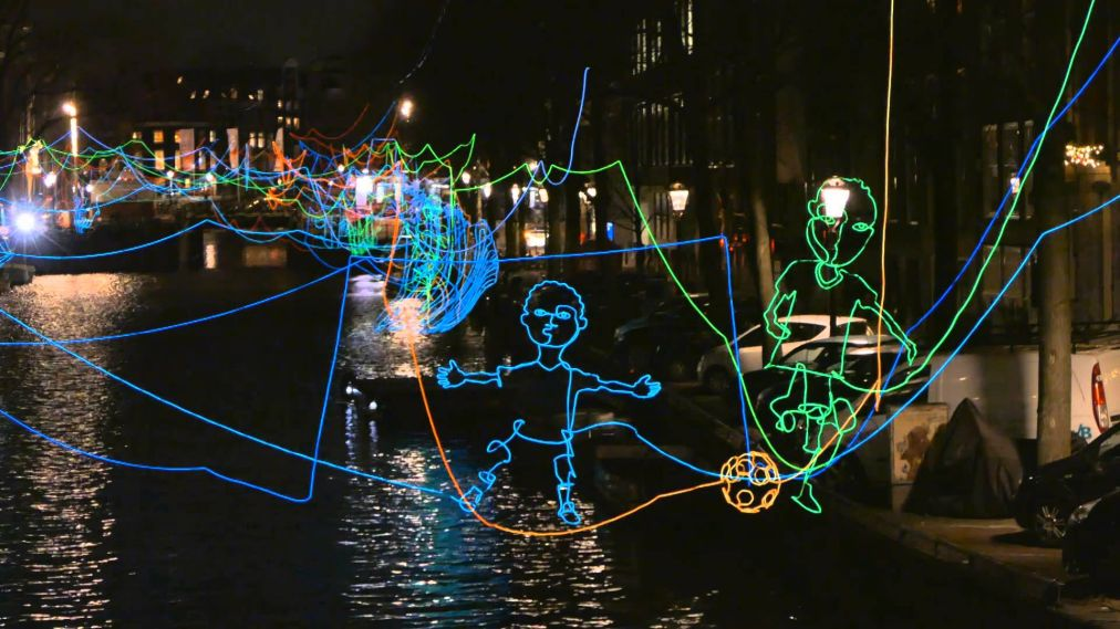 Фестиваль Света в Амстердаме http://travelcalendar.ru/wp-content/uploads/2015/08/Festival-Sveta-v-Amsterdame_glav3.jpg