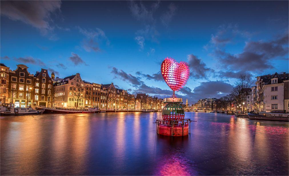Фестиваль Света в Амстердаме http://travelcalendar.ru/wp-content/uploads/2015/08/Festival-Sveta-v-Amsterdame_glav4.jpg
