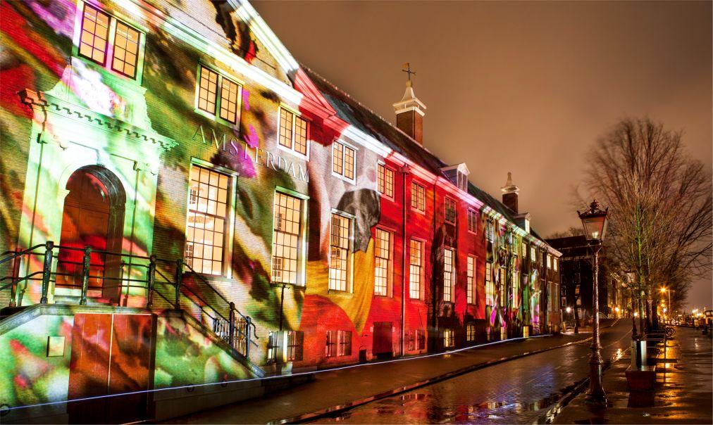Фестиваль Света в Амстердаме http://travelcalendar.ru/wp-content/uploads/2015/08/Festival-Sveta-v-Amsterdame_glav7.jpg