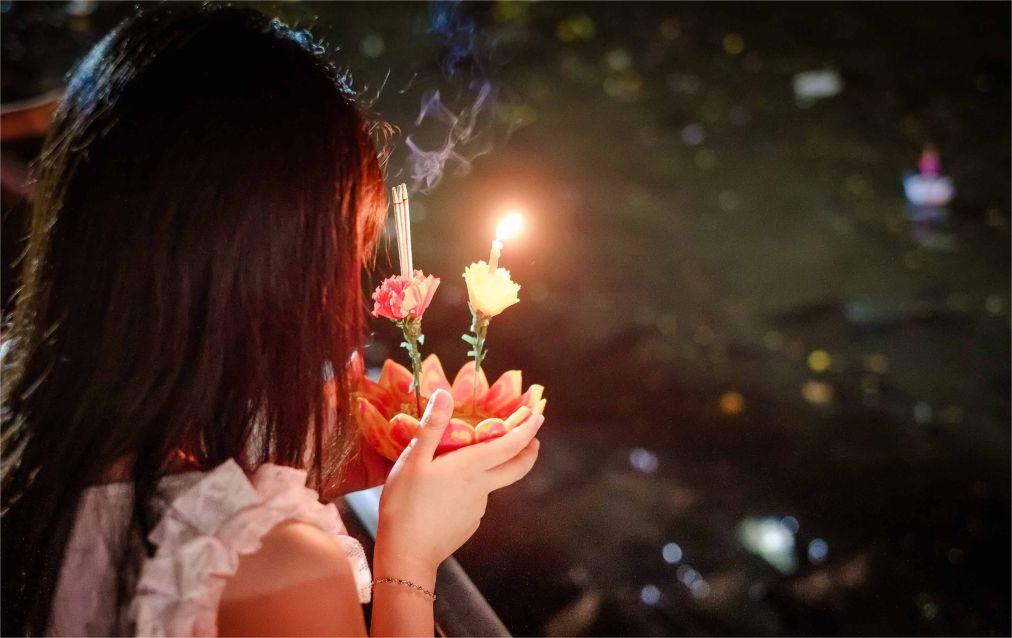 Фестиваль света Лой Кратонг в Таиланде http://travelcalendar.ru/wp-content/uploads/2015/08/Festival-sveta-Loj-Kratong-v-Tailande_glav.jpg