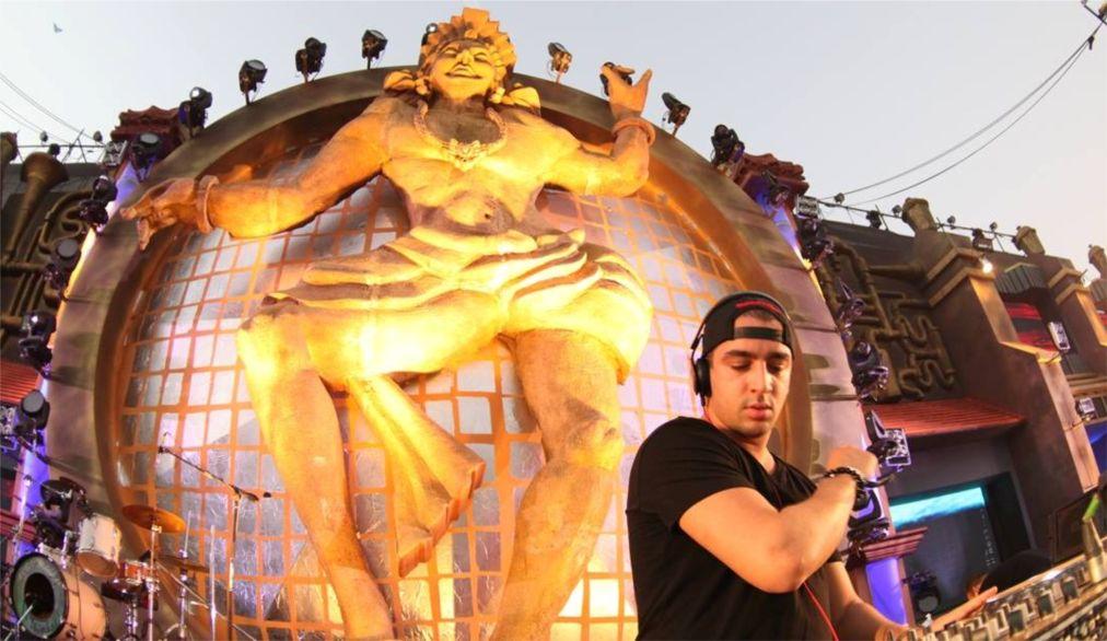 Фестиваль танцевальной музыки Sunburn в Пуне http://travelcalendar.ru/wp-content/uploads/2015/08/Festival-tantsevalnoj-muzyki-Sunburn-v-Goa_glav1.jpg