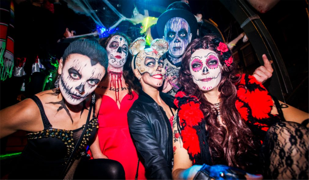 Хэллоуин в Амстердаме http://travelcalendar.ru/wp-content/uploads/2015/08/Hellouin-v-Amsterdame_glav2.jpg