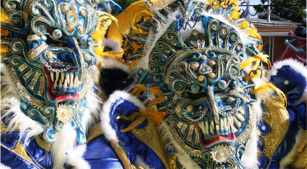 Карнавал в Ла-Вега http://travelcalendar.ru/wp-content/uploads/2015/08/Karnaval-v-La-Vega_glav1.jpg