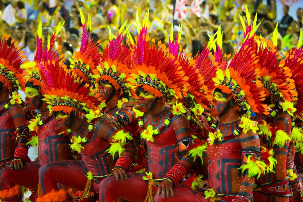 Карнавал в Рио-де-Жанейро http://travelcalendar.ru/wp-content/uploads/2015/08/Karnaval-v-Rio-de-ZHanejro_glav.jpg