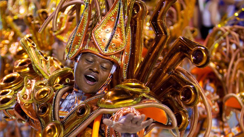 Карнавал в Рио-де-Жанейро http://travelcalendar.ru/wp-content/uploads/2015/08/Karnaval-v-Rio-de-ZHanejro_glav3.jpg