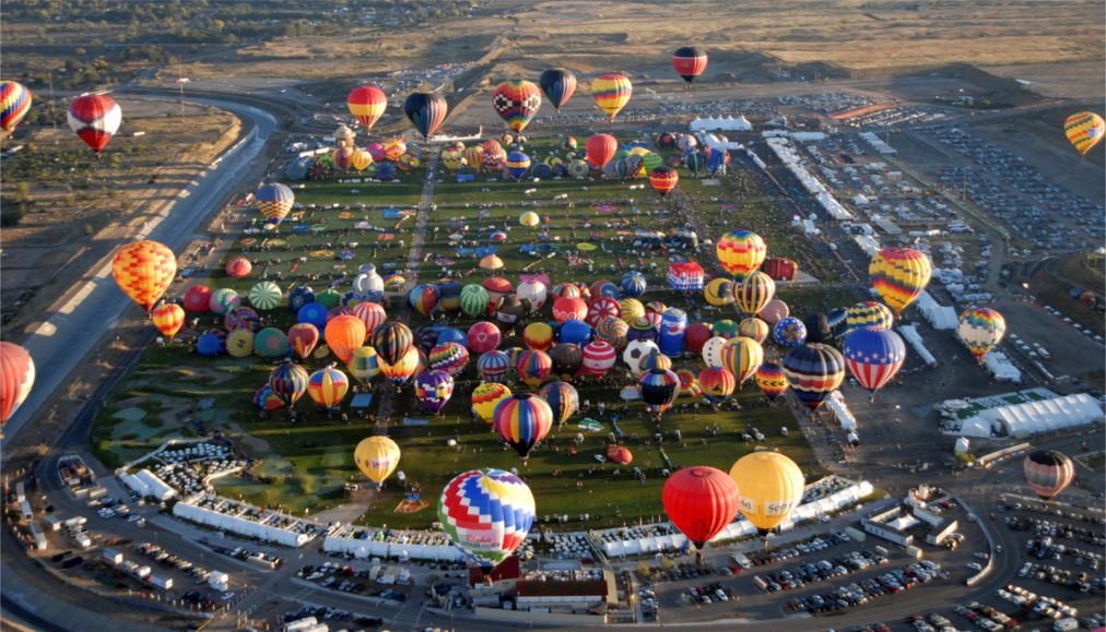 Международный фестиваль воздушных шаров в Альбукерке http://travelcalendar.ru/wp-content/uploads/2015/08/Mezhdunarodnyj-festival-vozdushnyh-sharov-v-Albukerke_glav5.jpg