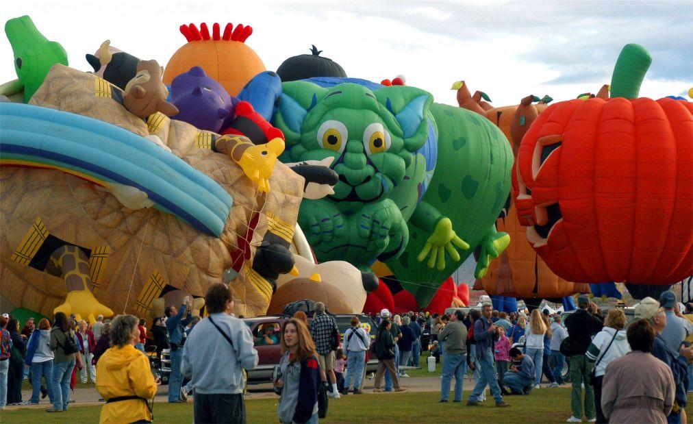 Международный фестиваль воздушных шаров в Альбукерке http://travelcalendar.ru/wp-content/uploads/2015/08/Mezhdunarodnyj-festival-vozdushnyh-sharov-v-Albukerke_glav6.jpg