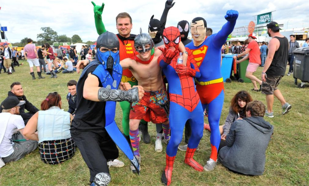 Музыкальные фестивали «Рединг» и «Лидс» в Англии http://travelcalendar.ru/wp-content/uploads/2015/08/Muzykalnye-festivali-Reding-i-Lids-v-Anglii_glav3.jpg
