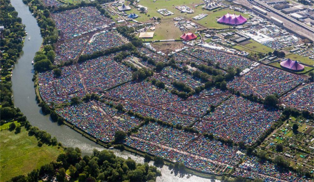 Музыкальные фестивали «Рединг» и «Лидс» в Англии http://travelcalendar.ru/wp-content/uploads/2015/08/Muzykalnye-festivali-Reding-i-Lids-v-Anglii_glav6.jpg
