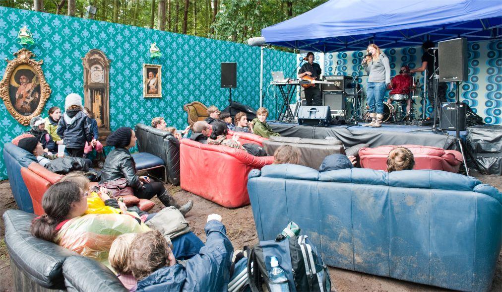 Музыкальный фестиваль Latitude в Саффолке http://travelcalendar.ru/wp-content/uploads/2015/08/Muzykalnyj-festival-Latitude-v-Saffolke_glav5.jpg