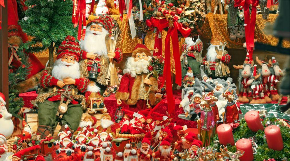 Рождественская ярмарка в Гамбурге http://travelcalendar.ru/wp-content/uploads/2015/08/Rozhdestvenskaya-yarmarka-v-Gamburge_glav3.jpg