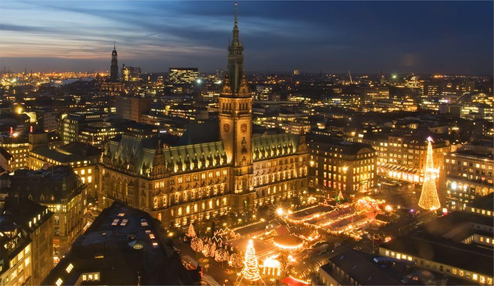 Рождественская ярмарка в Гамбурге http://travelcalendar.ru/wp-content/uploads/2015/08/Rozhdestvenskaya-yarmarka-v-Gamburge_glav4.jpg