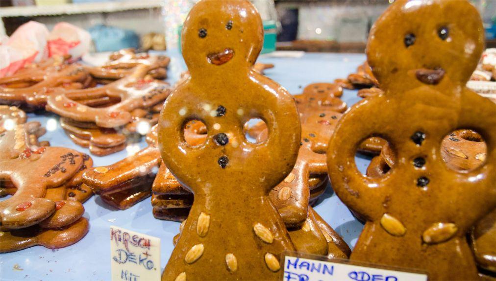 Рождественская ярмарка в Нюрнберге http://travelcalendar.ru/wp-content/uploads/2015/08/Rozhdestvenskaya-yarmarka-v-Nyurnberge_glav3.jpg