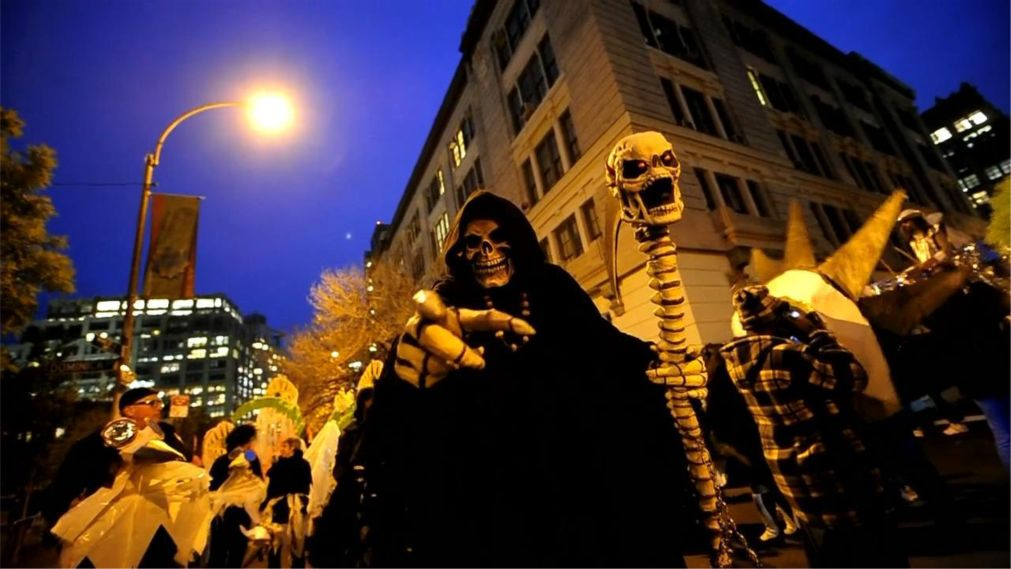 Вилладж Хэллоуин Парад в Нью-Йорке http://travelcalendar.ru/wp-content/uploads/2015/08/Villadzh-Hellouin-Parad-v-Nyu-Jorke_glav1.jpg