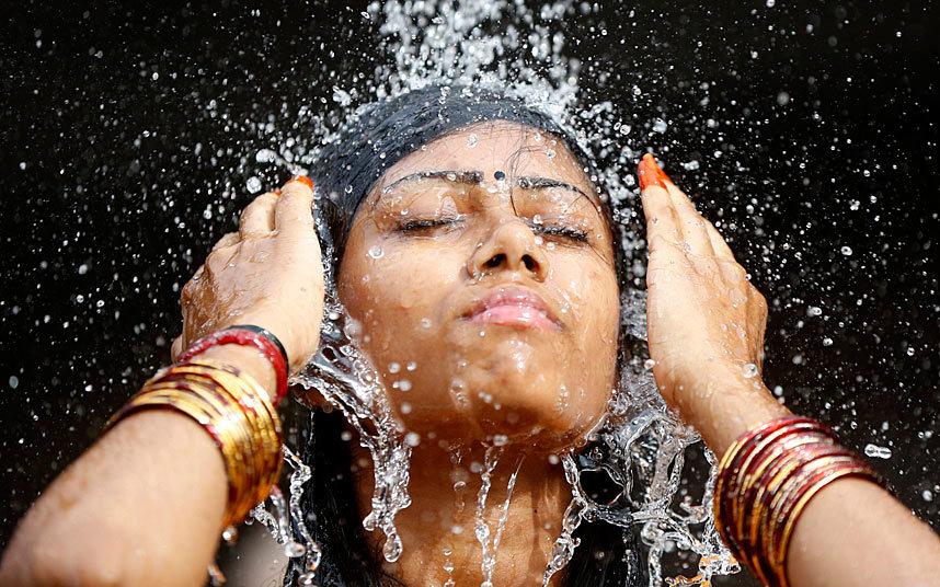Фестиваль Тайпусам в Куала-Лумпуре http://travelcalendar.ru/wp-content/uploads/2015/08/thaipusam-water_3186080k.jpg