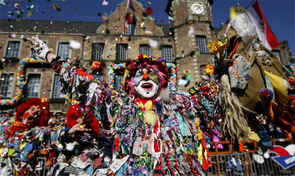 Дюссельдорфский карнавал http://travelcalendar.ru/wp-content/uploads/2015/09/Dyusseldorfskij-karnaval_glav4.jpg