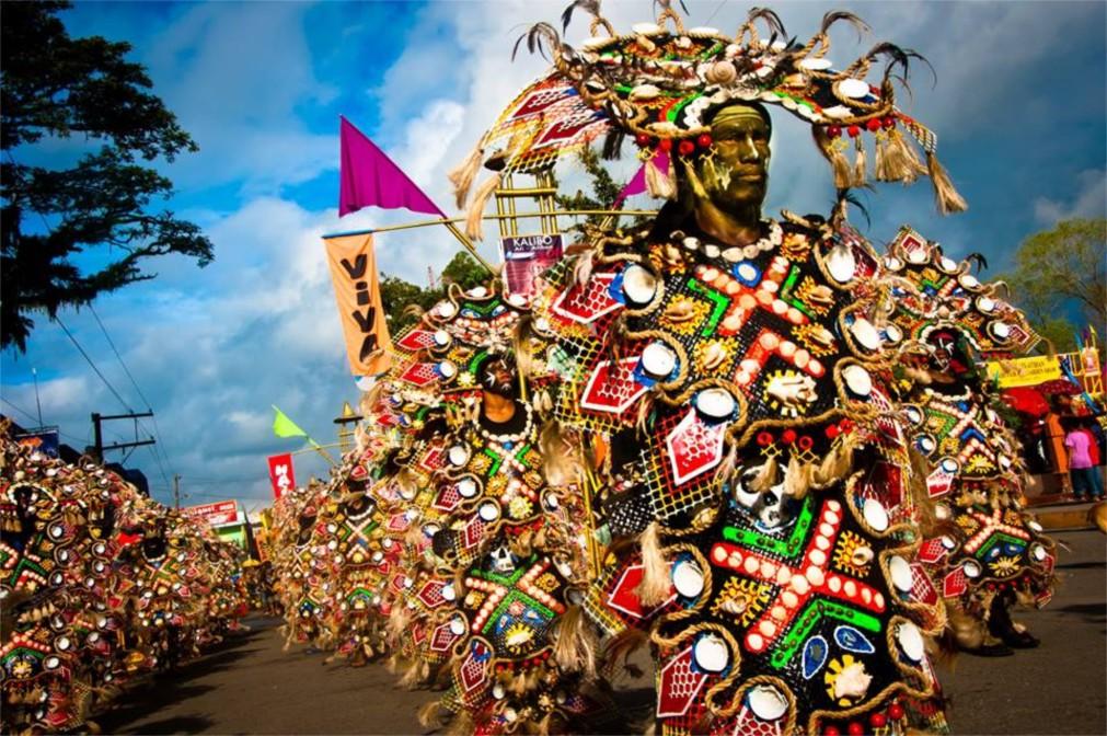 Фестиваль Ати-Атихан в Калибо http://travelcalendar.ru/wp-content/uploads/2015/09/Festival-Ati-Atihan-v-Kalibo_glav2.jpg