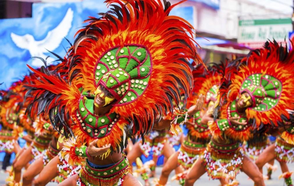 Фестиваль Динагьянг в Илоило http://travelcalendar.ru/wp-content/uploads/2015/09/Festival-Dinagyang-v-Iloilo_glav3.jpg