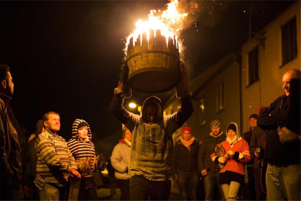 Фестиваль Горящих Бочек в Оттери http://travelcalendar.ru/wp-content/uploads/2015/09/Festival-Goryashhih-Bochek-v-Otteri_glav1.jpg