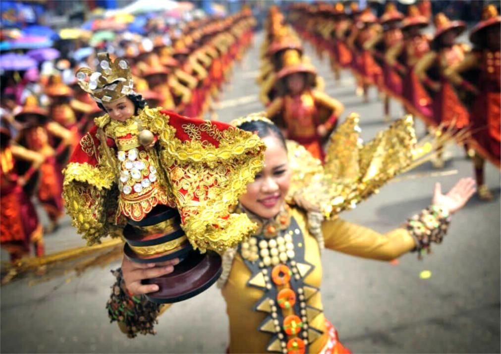Фестиваль Синулог в Себу http://travelcalendar.ru/wp-content/uploads/2015/09/Festival-Sinulog-v-Sebu_glav3.jpg