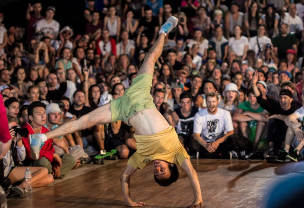 Фестиваль уличных танцев Yalta Summer Jam http://travelcalendar.ru/wp-content/uploads/2015/09/Festival-brejk-dansa-Yalta-Summer-Jam_glav1.jpg