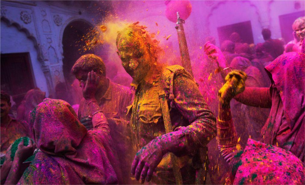 Фестиваль красок Холи в Индии http://travelcalendar.ru/wp-content/uploads/2015/09/Festival-krasok-Holi-v-Indii_glav5.jpg