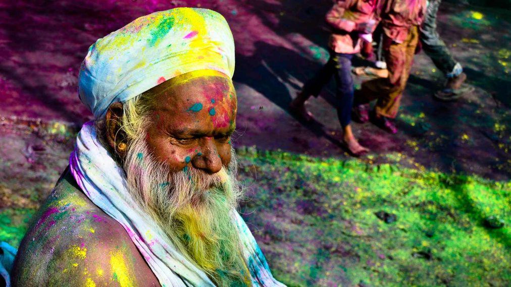 Фестиваль красок Холи в Индии http://travelcalendar.ru/wp-content/uploads/2015/09/Festival-krasok-Holi-v-Indii_glav6.jpg