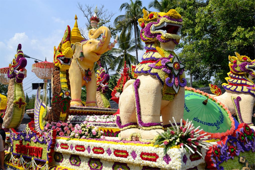 Фестиваль цветов в Чианг Май http://travelcalendar.ru/wp-content/uploads/2015/09/Festival-tsvetov-v-CHang-Mai_glav1.jpg