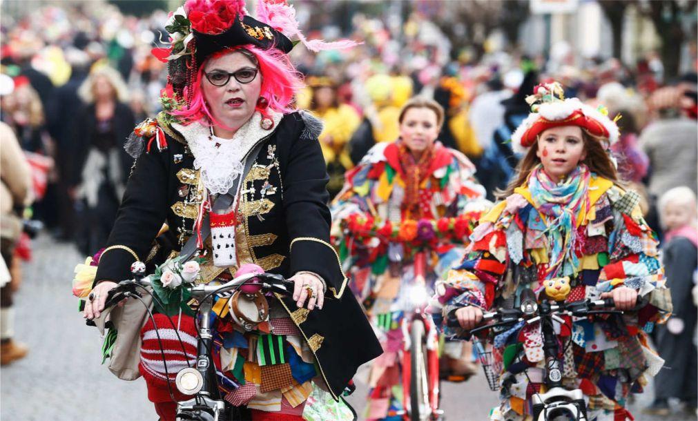 Карнавал в Бонне http://travelcalendar.ru/wp-content/uploads/2015/09/Karnaval-v-Bonne_glav2.jpg