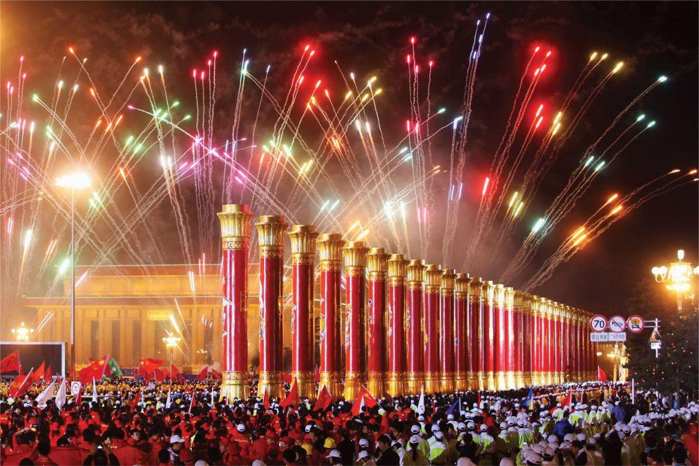 Китайский Новый год в Пекине http://travelcalendar.ru/wp-content/uploads/2015/09/Kitajskij-Novyj-god-v-Pekine_glav3.jpg