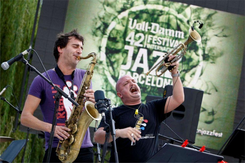Международный джазовый фестиваль в Барселоне http://travelcalendar.ru/wp-content/uploads/2015/09/Mezhdunarodnyj-dzhazovyj-festival-v-Barselone_glav1.jpg