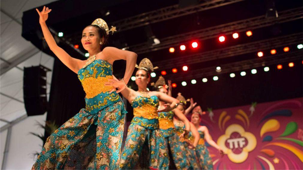 Мультикультурный фестиваль Тонг-Тонг в Гааге http://travelcalendar.ru/wp-content/uploads/2015/09/Multikulturnyj-festival-Tong-Tong-v-Gaage_glav1.jpg