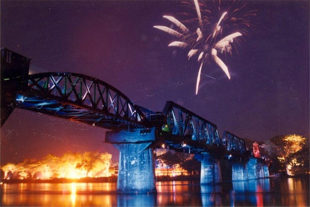 Неделя Моста через реку Квай в Канчанабури http://travelcalendar.ru/wp-content/uploads/2015/09/Nedelya-Mosta-cherez-reku-Kvaj-v-Kanchanaburi_glav2.jpg