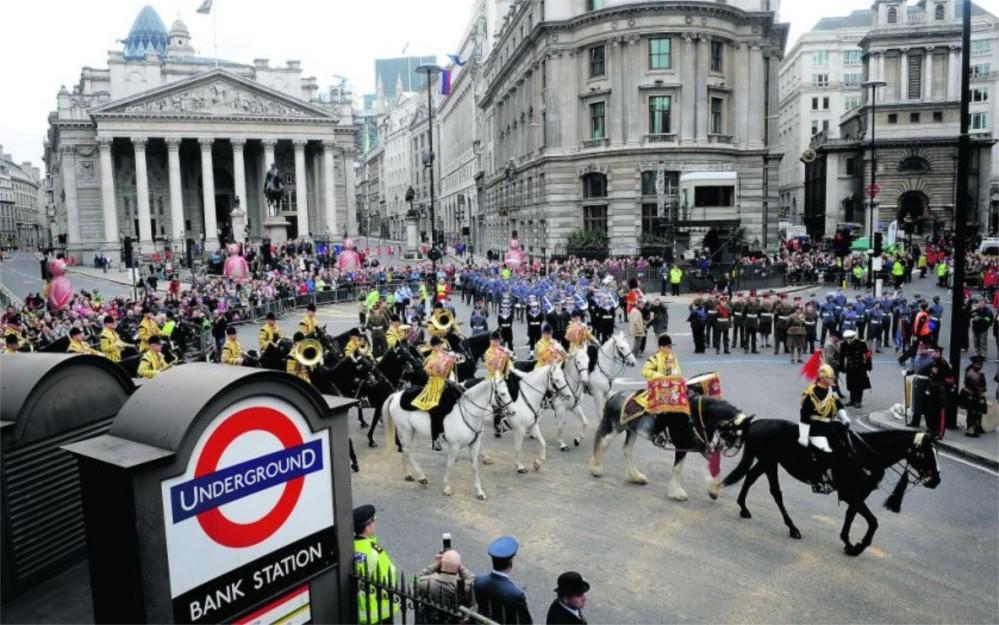 Шоу лорд-мэра Сити в Лондоне http://travelcalendar.ru/wp-content/uploads/2015/09/SHou-lord-mera-Siti-v-Londone_glavn3.jpg