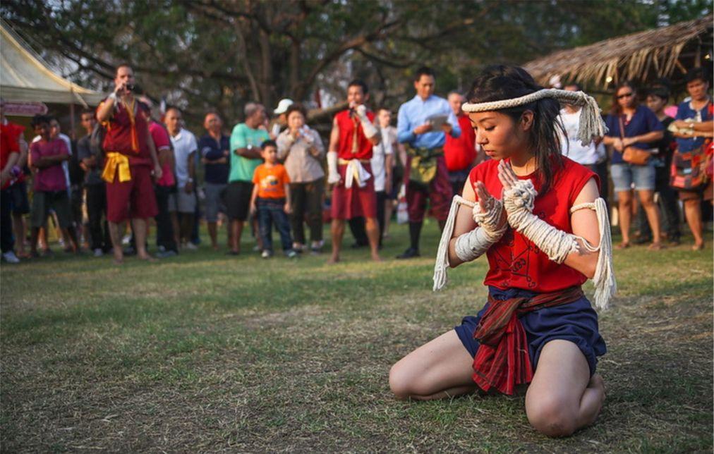 Всемирный фестиваль боевых искусств муай тай в Аюттайе http://travelcalendar.ru/wp-content/uploads/2015/09/Vsemirnyj-festival-boevyh-iskusstv-muj-taj-v-Ayuttaje_glav1.jpg