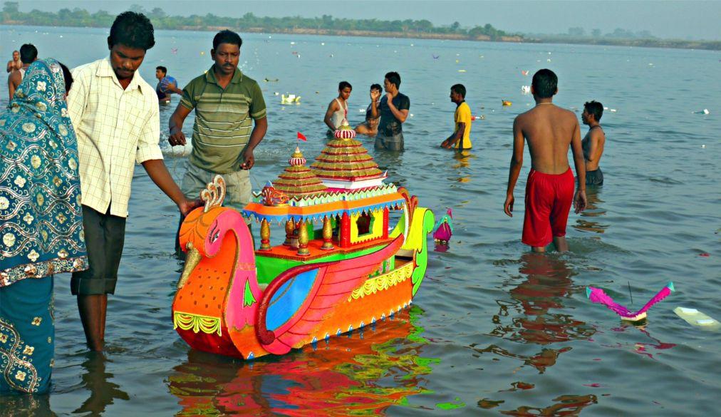 Фестиваль Бали-Ятра в Каттаке http://travelcalendar.ru/wp-content/uploads/2015/10/Festival-Bali-YAtra-v-Kattake_glav1.jpg