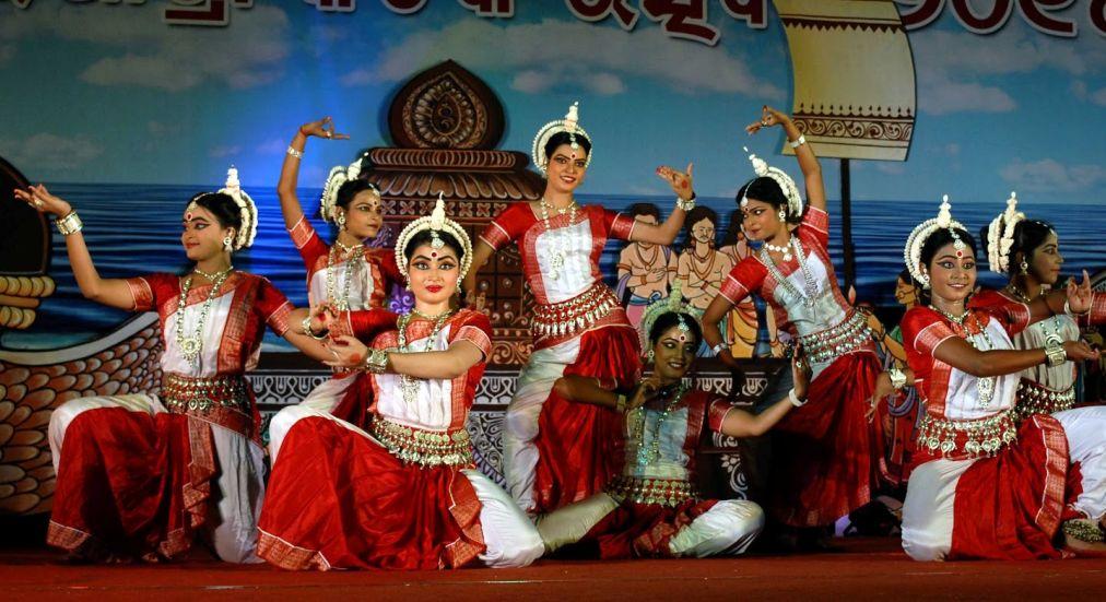 Фестиваль Бали-Ятра в Каттаке http://travelcalendar.ru/wp-content/uploads/2015/10/Festival-Bali-YAtra-v-Kattake_glav4.jpg