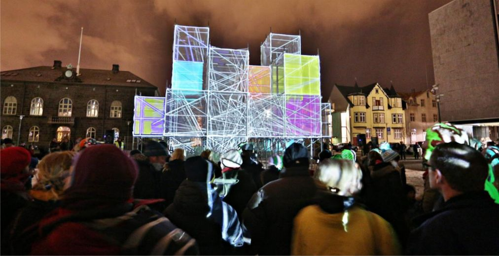 Фестиваль «Зимние огни» в Рейкьявике http://travelcalendar.ru/wp-content/uploads/2015/10/Festival-Zimnie-ogni-v-Rejkyavike_glav1.jpg
