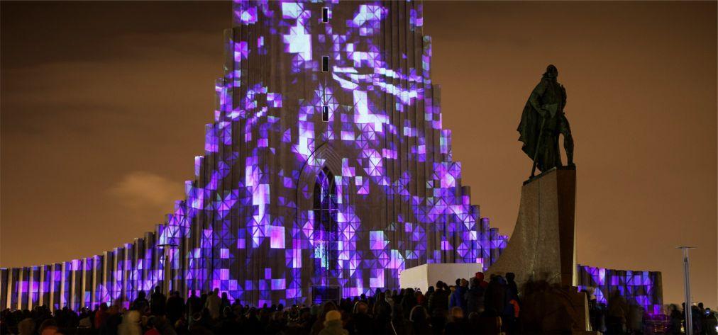 Фестиваль «Зимние огни» в Рейкьявике http://travelcalendar.ru/wp-content/uploads/2015/10/Festival-Zimnie-ogni-v-Rejkyavike_glav3.jpg