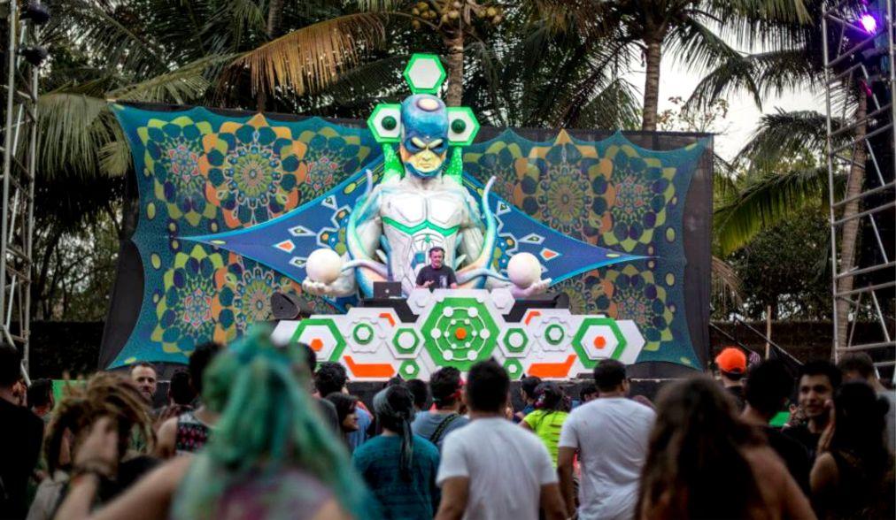 Фестиваль электронной музыки Хиллтоп в Гоа http://travelcalendar.ru/wp-content/uploads/2015/10/Festival-elektronnoj-muzyki-Hilltop-v-Goa_glav2.jpg