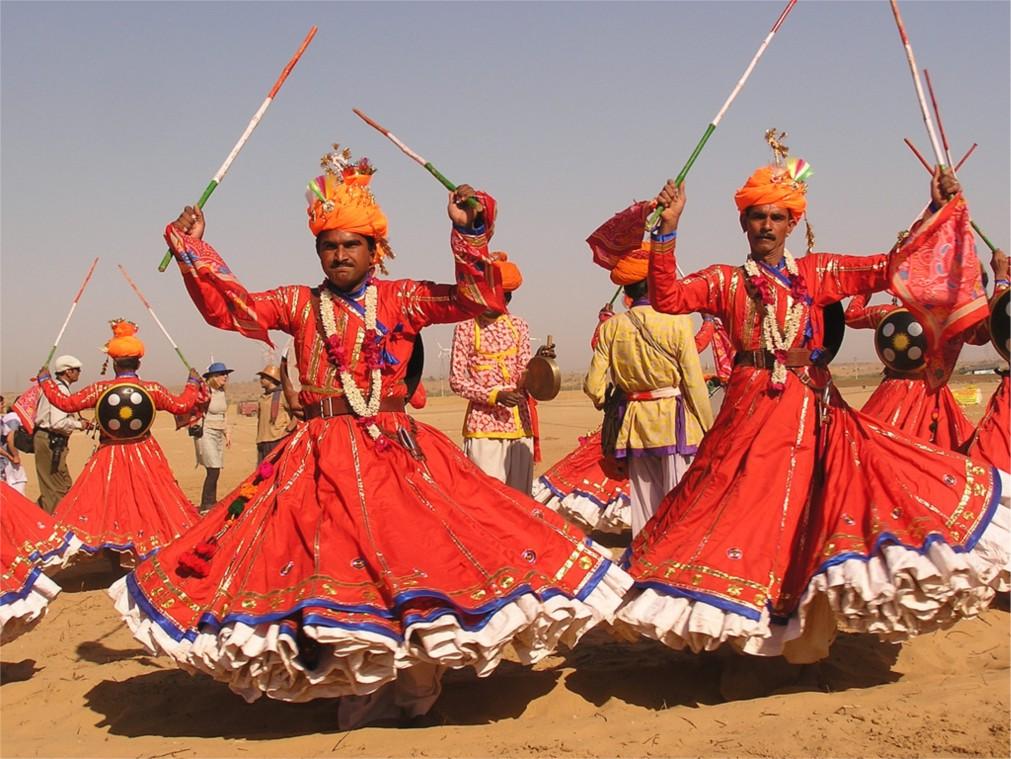 Фестиваль пустыни в Джайсалмере http://travelcalendar.ru/wp-content/uploads/2015/10/Festival-pustyni-v-Dzhajsalmere_glav3.jpg