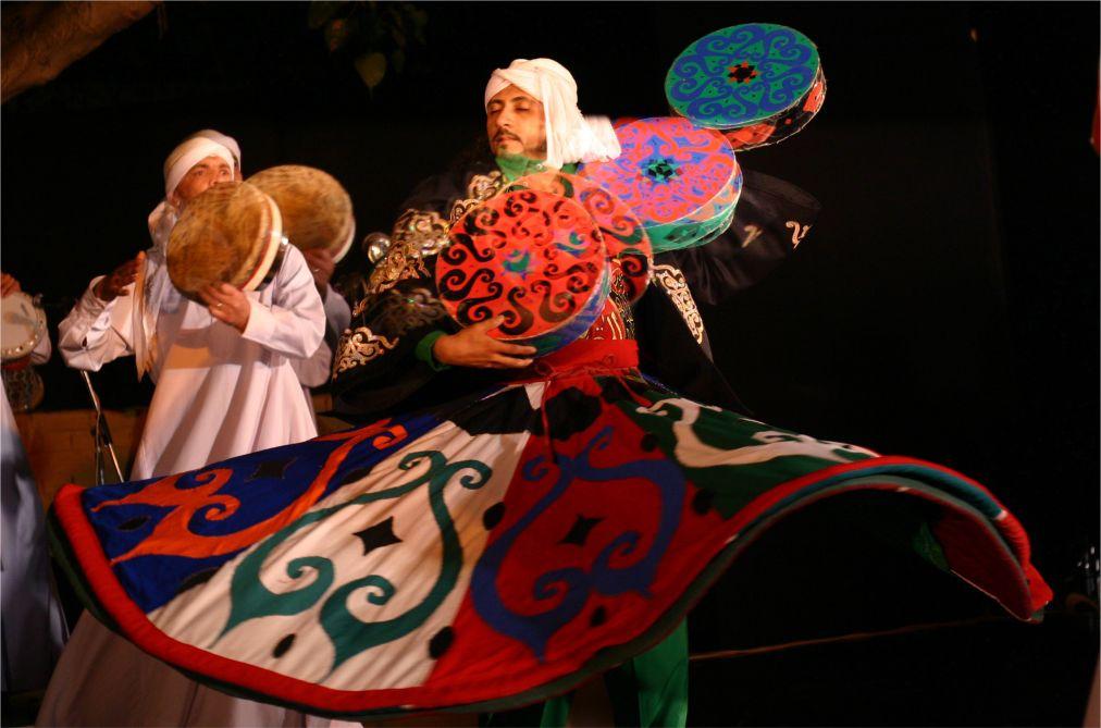 Фестиваль суфийской музыки World Sufi Spirit в Раджастане http://travelcalendar.ru/wp-content/uploads/2015/10/Festival-sufijskoj-muzyki-World-Sufi-Spirit_glav3.jpg