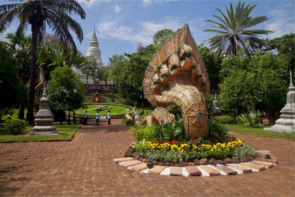 Кхмерский Новый год в Камбодже http://travelcalendar.ru/wp-content/uploads/2015/10/Khmerskij-Novyj-god-v-Kambodzhe_glav1.jpg