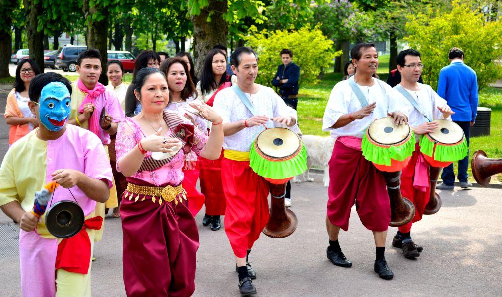 Кхмерский Новый год в Камбодже http://travelcalendar.ru/wp-content/uploads/2015/10/Khmerskij-Novyj-god-v-Kambodzhe_glav3.jpg