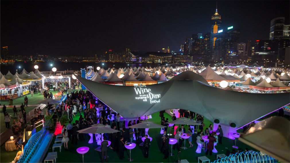 Фестиваль вина и гастрономии в Гонконге http://travelcalendar.ru/wp-content/uploads/2015/10/Mesyats-vina-i-gastronomii-v-Gonkonge_glav4.jpg