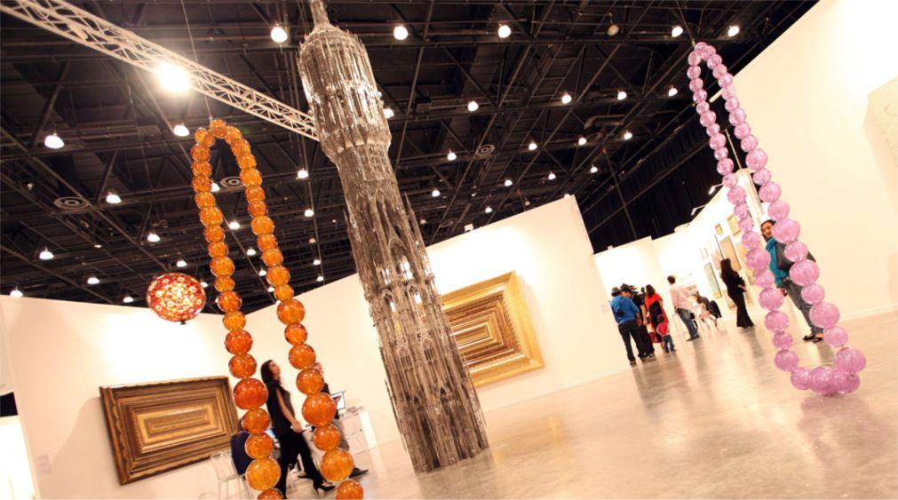 Международная ярмарка искусства «Арт Дубай» в Дубае http://travelcalendar.ru/wp-content/uploads/2015/10/Mezhdunarodnaya-yarmarka-iskusstva-Art-Dubaj_glav3.jpg