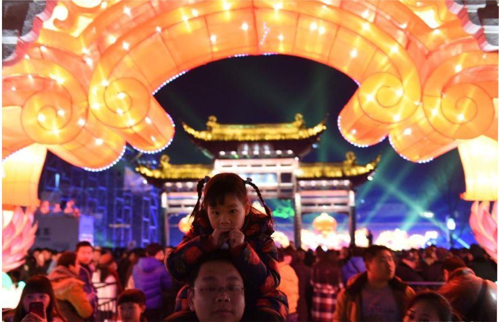 Международный фестиваль фонарей в Нанкине http://travelcalendar.ru/wp-content/uploads/2015/10/Mezhdunarodnyj-festival-fonarej-v-Nankine_glav1.jpg