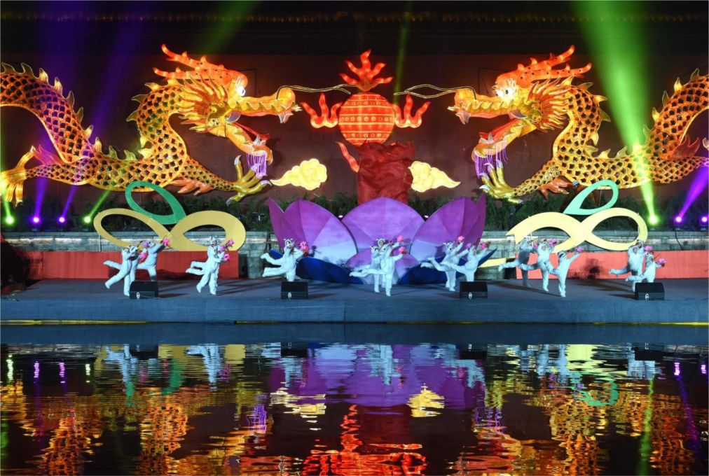 Международный фестиваль фонарей в Нанкине http://travelcalendar.ru/wp-content/uploads/2015/10/Mezhdunarodnyj-festival-fonarej-v-Nankine_glav2.jpg