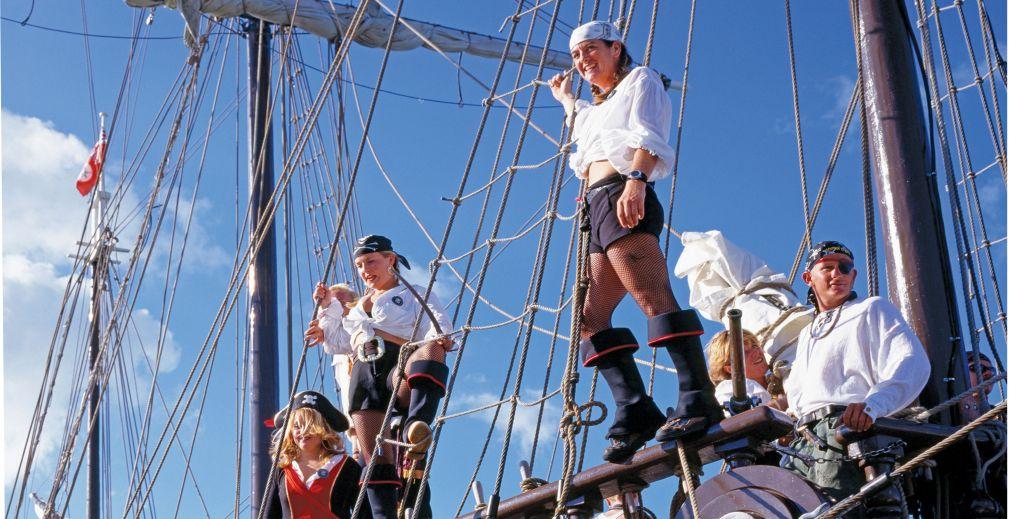 Фестиваль «Пиратская неделя» в Джорджтауне http://travelcalendar.ru/wp-content/uploads/2015/10/Piratskaya-nedelya-v-Dzhordzhtaune_glav1.jpg