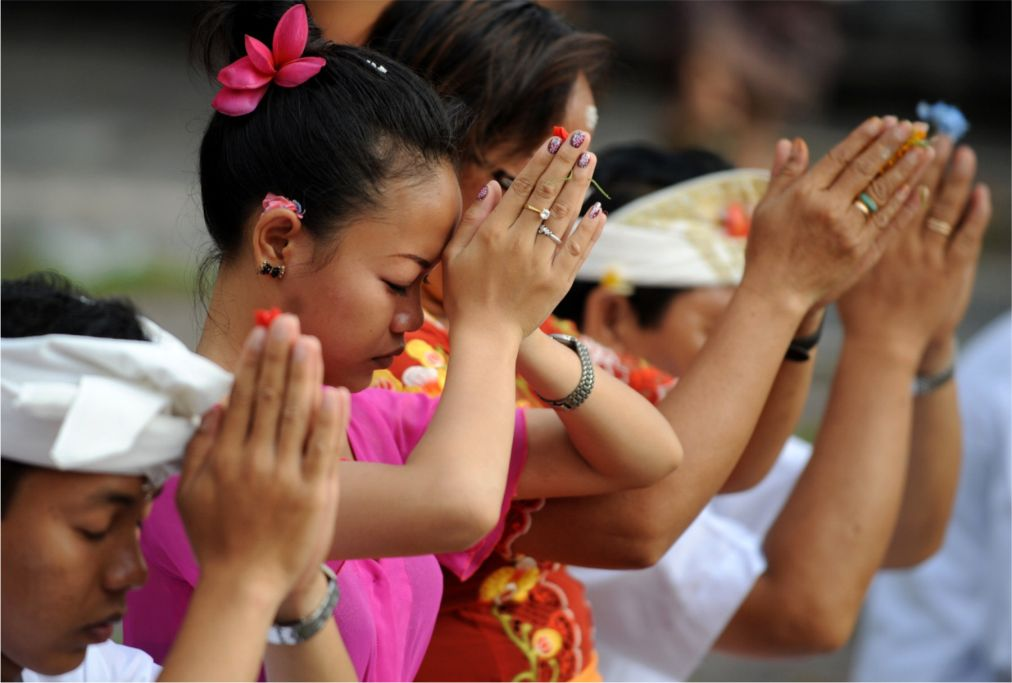 Праздник Галунган на Бали http://travelcalendar.ru/wp-content/uploads/2015/10/Prazdnik-Galungan-na-Bali_glav1.jpg